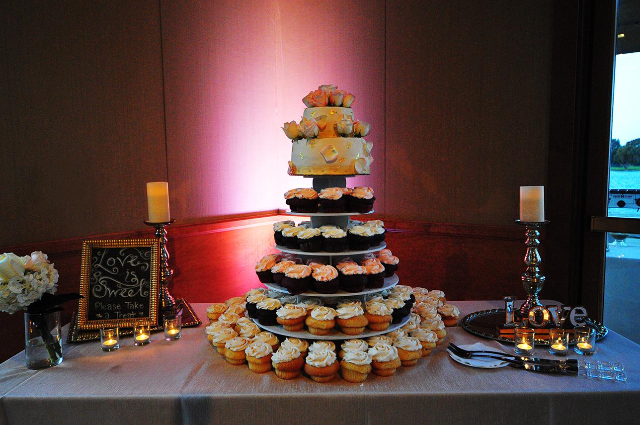 cake, wedding cake, stephy wong photography, wedding details, wedding cupcakes